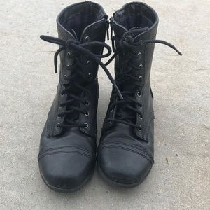 Girl's black lace up booties
